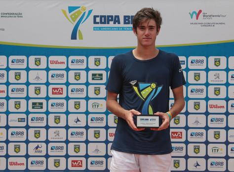 Gustavo Heide é campeão da Copa BRB de tênis em Brasília