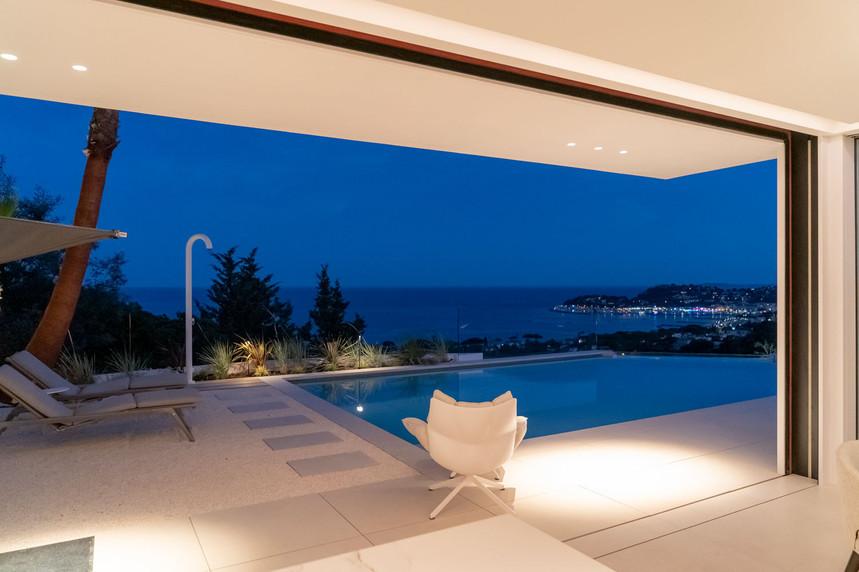 20-06-pool-night-cavalaire-s.jpg