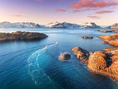 e-motion-superyacht-hybrid-system-open-water