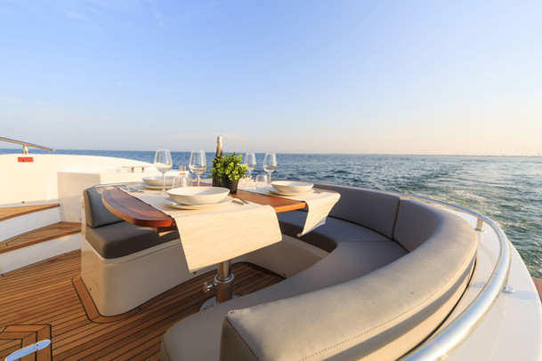 yacht electric