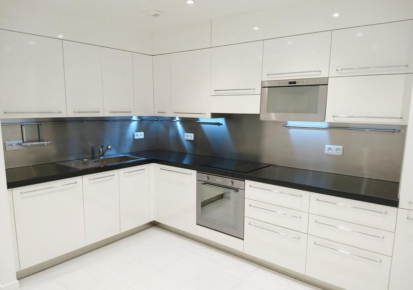 kitchen-s.jpg