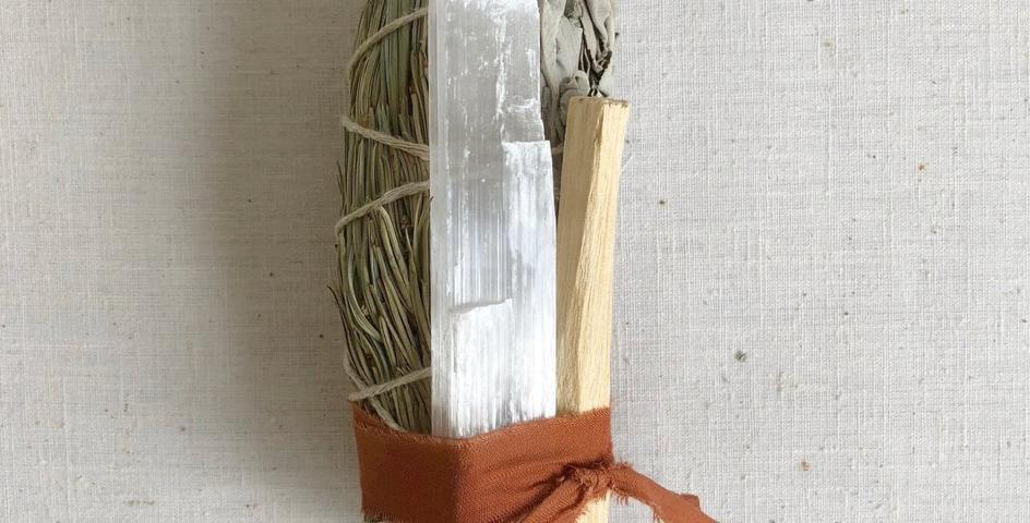 pinion pine & selenite smudge stick