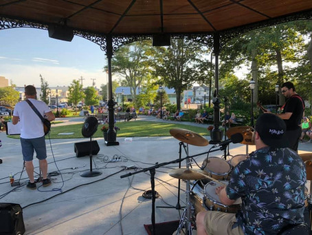 Enjoy Music & The Mall This Summer