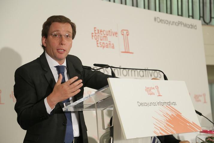 Martínez-Almeida anuncia una reforma fiscal que implique la bajada de todos los impuestos que depend