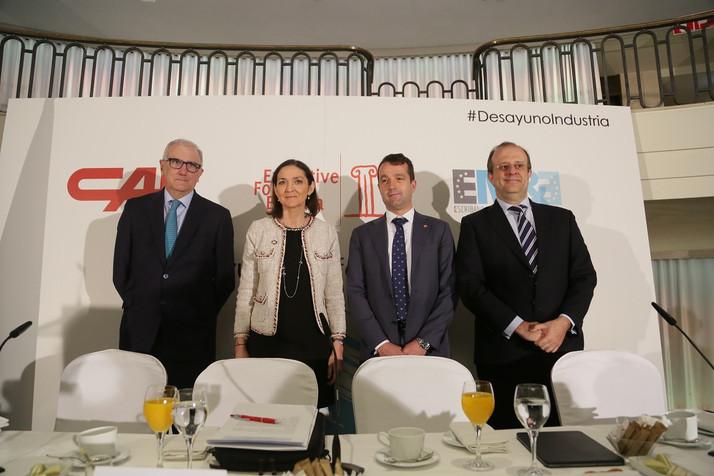 Reyes Maroto señala la digitalización, la transición ecológica y la internacionalización como palanc