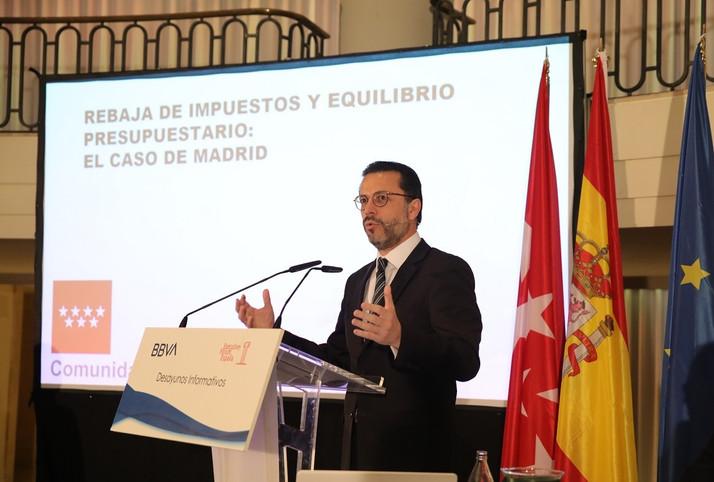 El consejero de la Hacienda de la Comunidad de Madrid defiende los impuestos bajos para generar crec