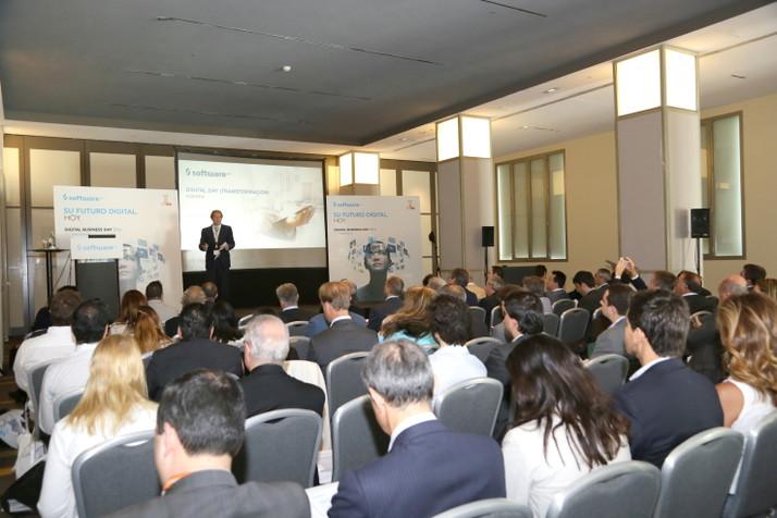 Software AG reúne a líderes y profesionales de varios sectores para compartir sus experiencias de tr