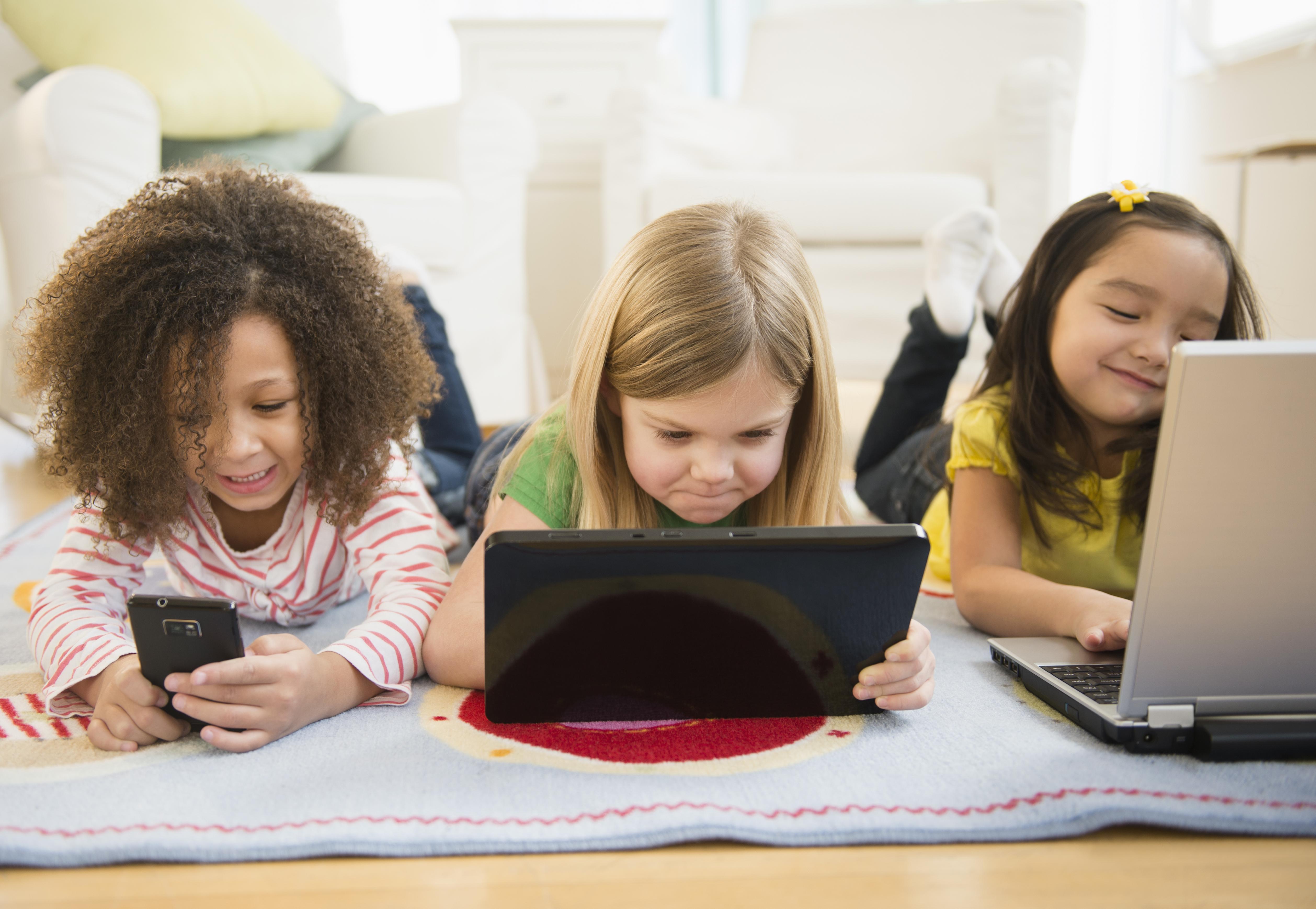 Niños-tecno1
