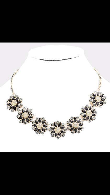 Thick Stone Floral Necklace - Black