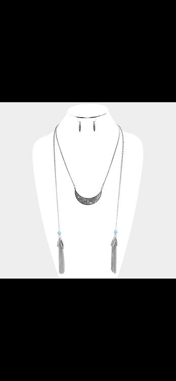 Western Style Fringe Necklace - Silver