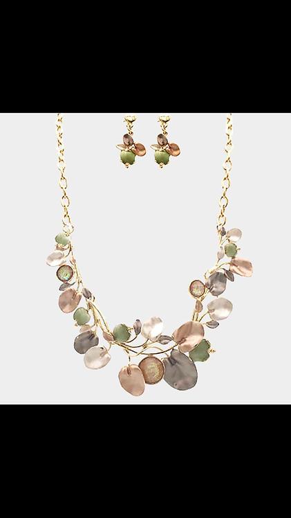 Metal Vine Necklace - Olive
