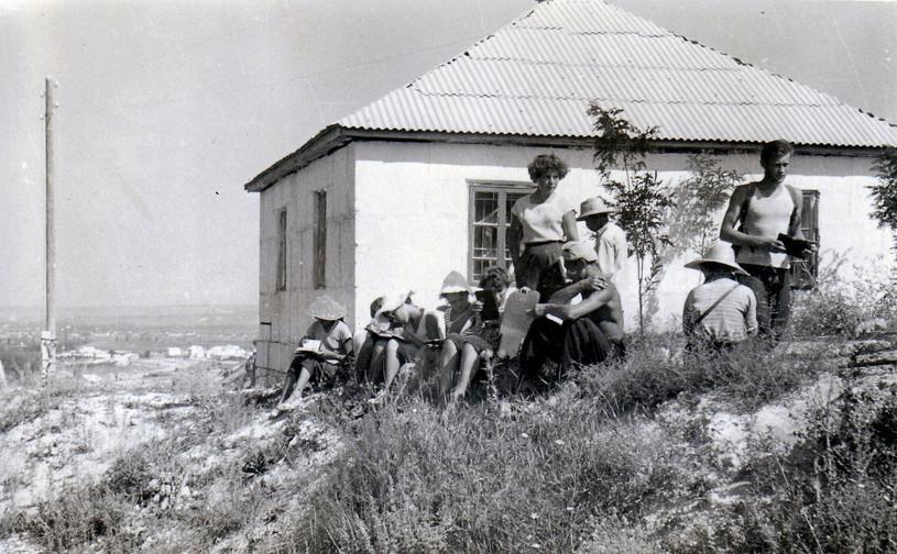 1962 г. Партизанское. Людмила Григорьевн