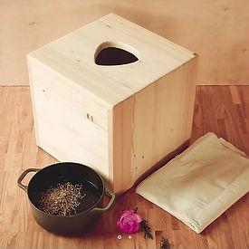yunna BOX.JPG