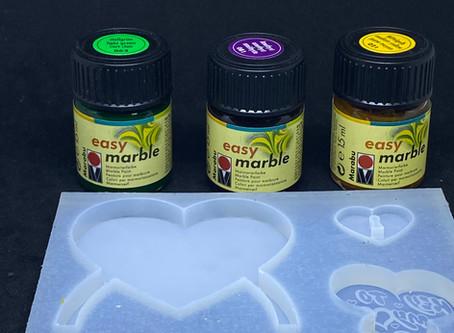 Resin färben mit Marmorier-Farben