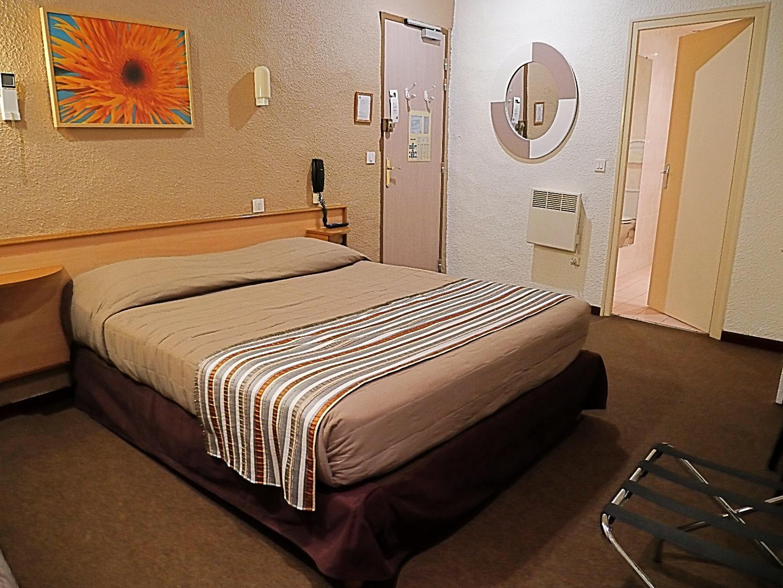 Chambre sup rieure double salon salon de provence h tel d 39 angleterre salon de provence - Hotel d angleterre salon de provence ...
