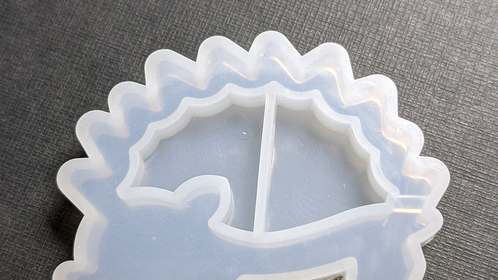 "1.5"" hedgehog shaker mold"