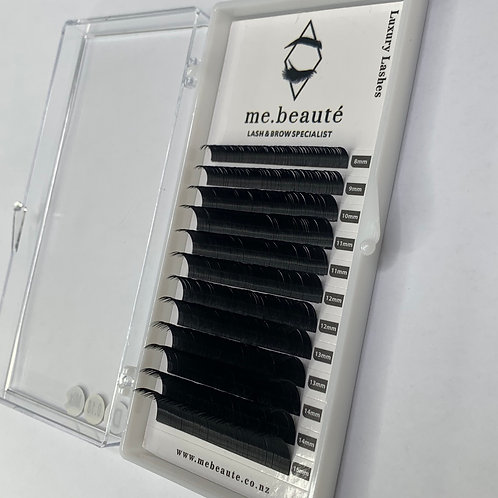 0.18- Mix Tray of CLASSIC LASHES 8-15mm