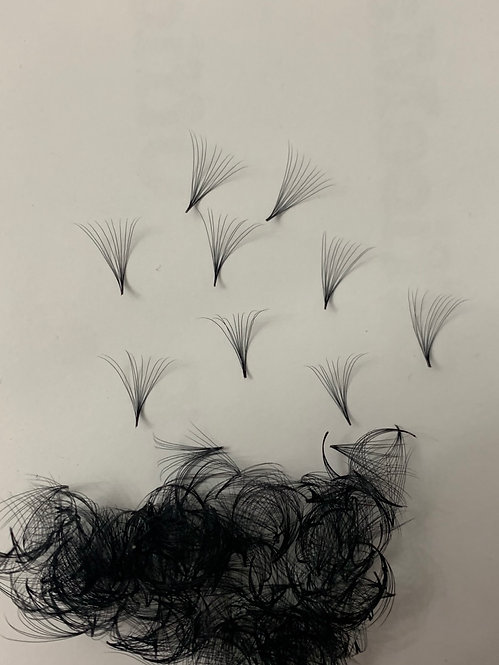 10D (0.05) Pre-Made Volume Lashes