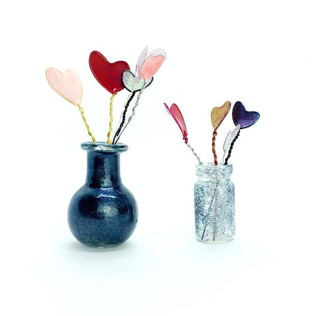 Super miniature bouquets.