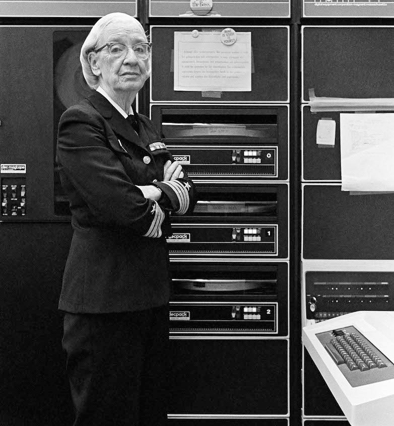Hopper in a computer room in Washington DC, 1978, photographed by Lynn Gilbert