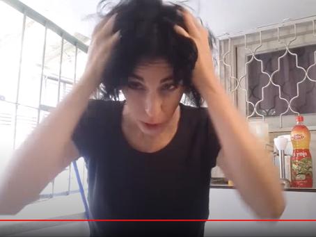 מה עושים עם מרכך לשיער?!