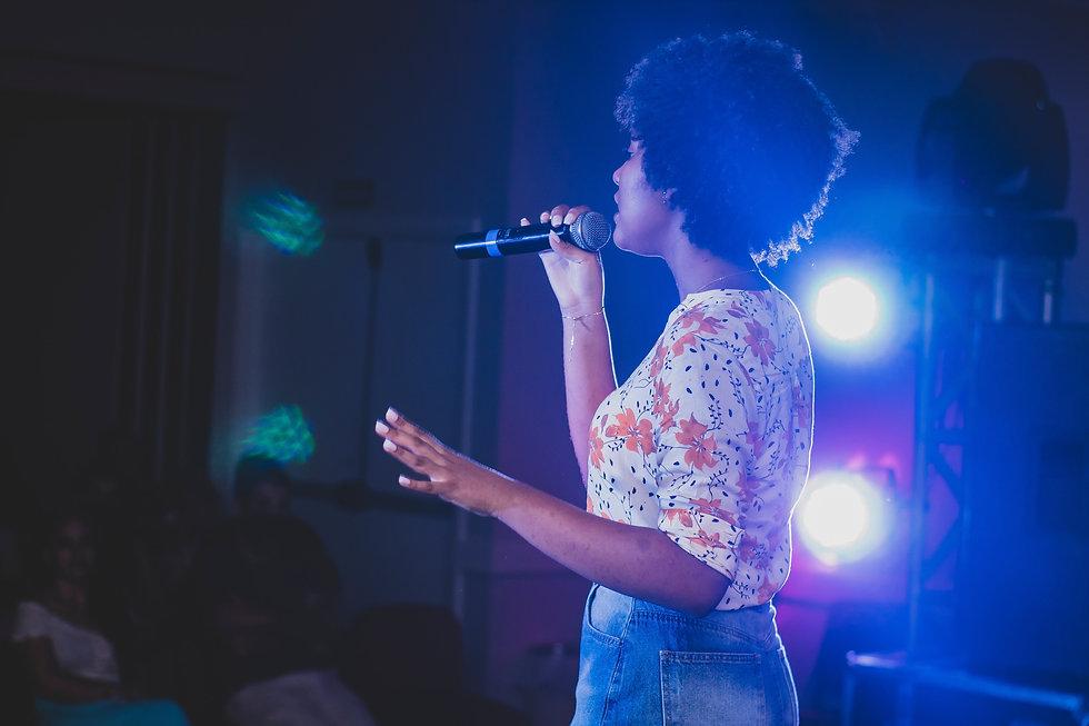 People_Singing_09.jpg