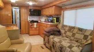 RV for 1-4, 55 in. TV, spacious