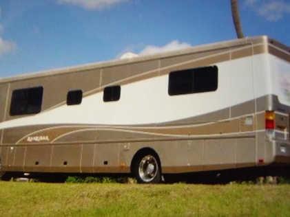 Safari RV for 1-4 guests