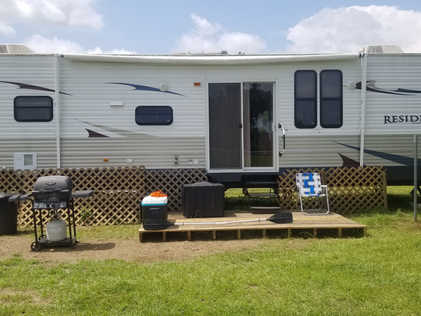 RV for 1-5 guests