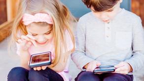 Mεγαλώνοντας παιδιά στην εποχή της τεχνολογίας