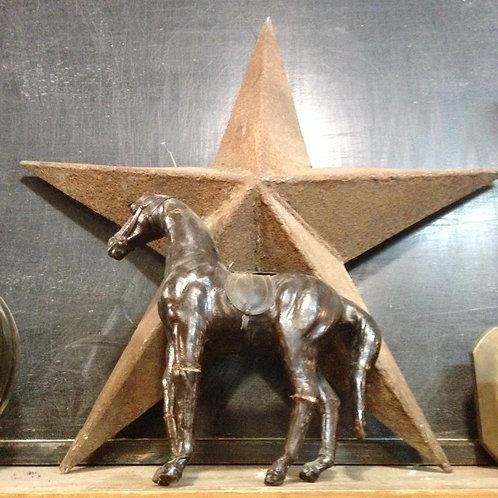 Лошадь папье-маше