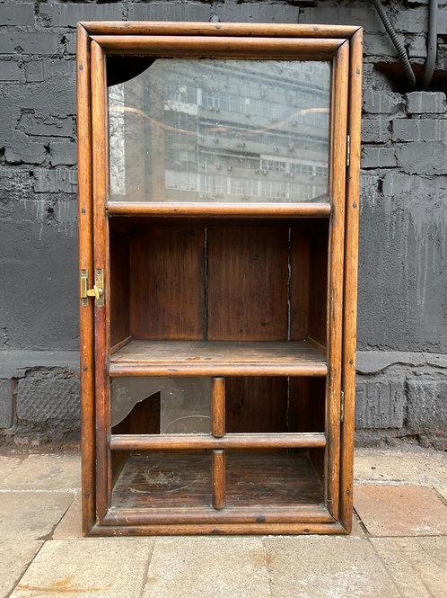 Шкаф-витрина старинный