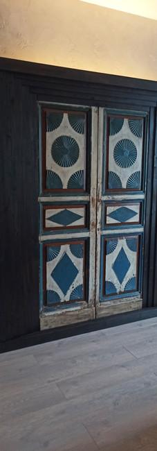 старые двери_изголовье кровати