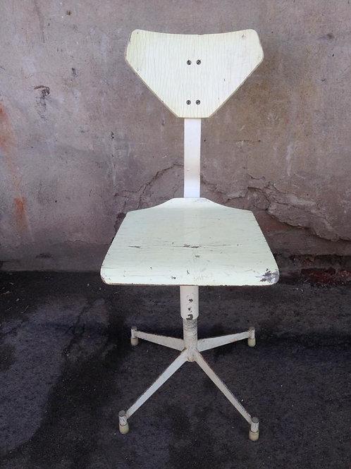 Винтовой стул