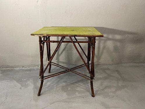 Столик бамбук
