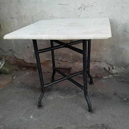 Стол мрамор