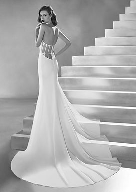 Altier%20Pronovias-%20Lux_edited.jpg