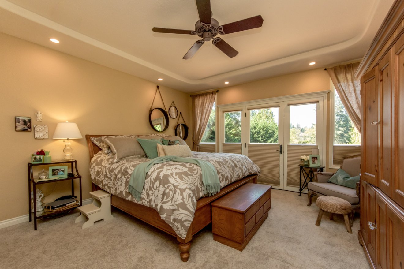 Lake Tapps master bedroom