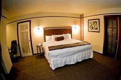 seville - king bed