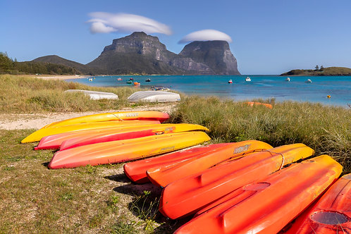 kayaks, boats, colour, mt eliza, mt lidgbird
