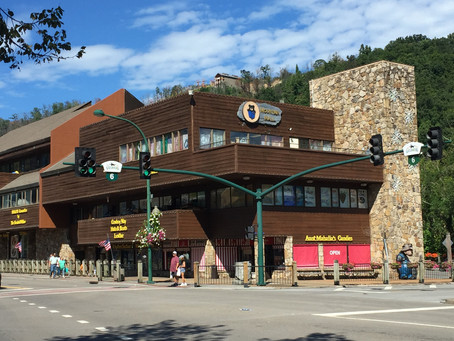 The Ultimate Guide Of Attractions And Restaurants In The Smokies.