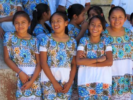 Explorando la tradición del bordado en Yucatán / Exploring the embroidery tradition in Yucatan