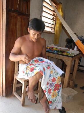 Embroiderer in Tahdziu