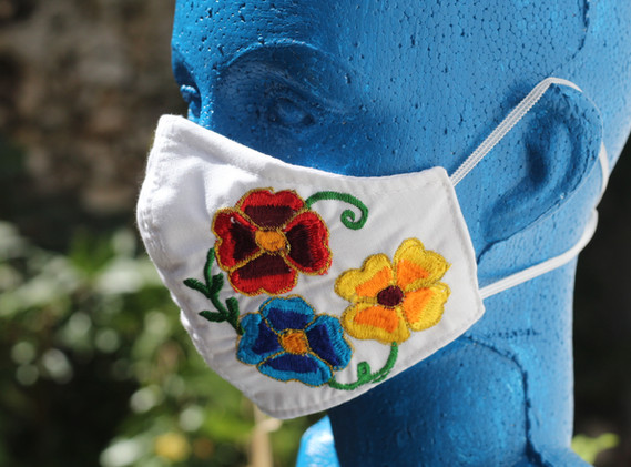 Cubrebocas liso diseño floral
