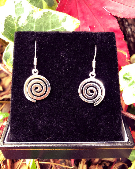 "Celtic Single Spiral Drop Earrings with 6""x4"" Signed Photo"