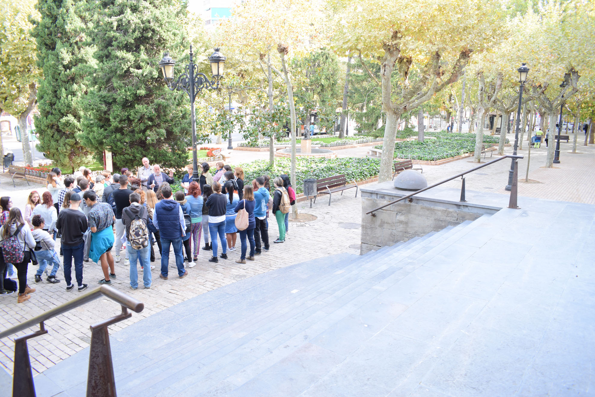 SEMANA-ARQUITECTURA-COAR-FCAR-paseo-espolon-glorieta-plaza-ayuntamiento-jose-miguel-leon (17)