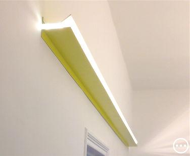 lampada lineare lamiera colorata design