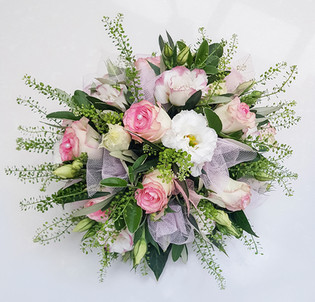 Greenbell, Rose and Lisianthus