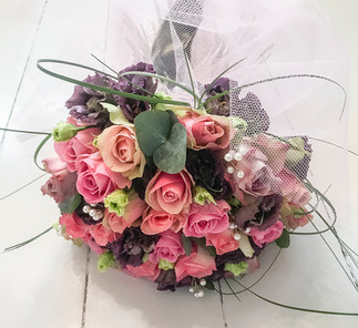 Frilly Lisianthus, Rose and Pearls