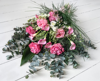 Speciality Garden Rose and Calla